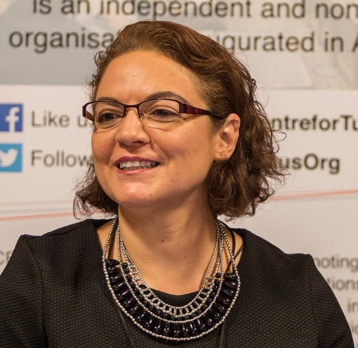 Dr Ayla Gol