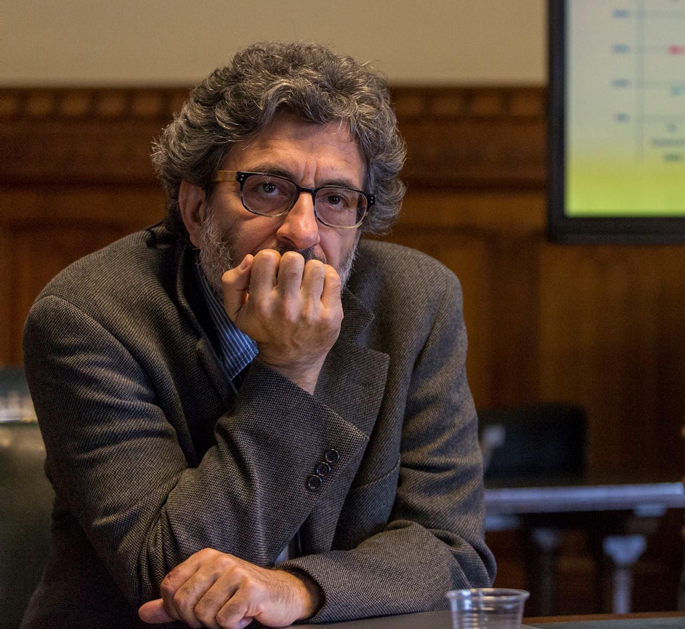 Professor Izak Atiyas