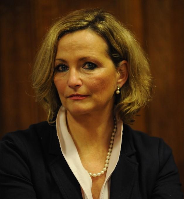 Professor Petra Bendel