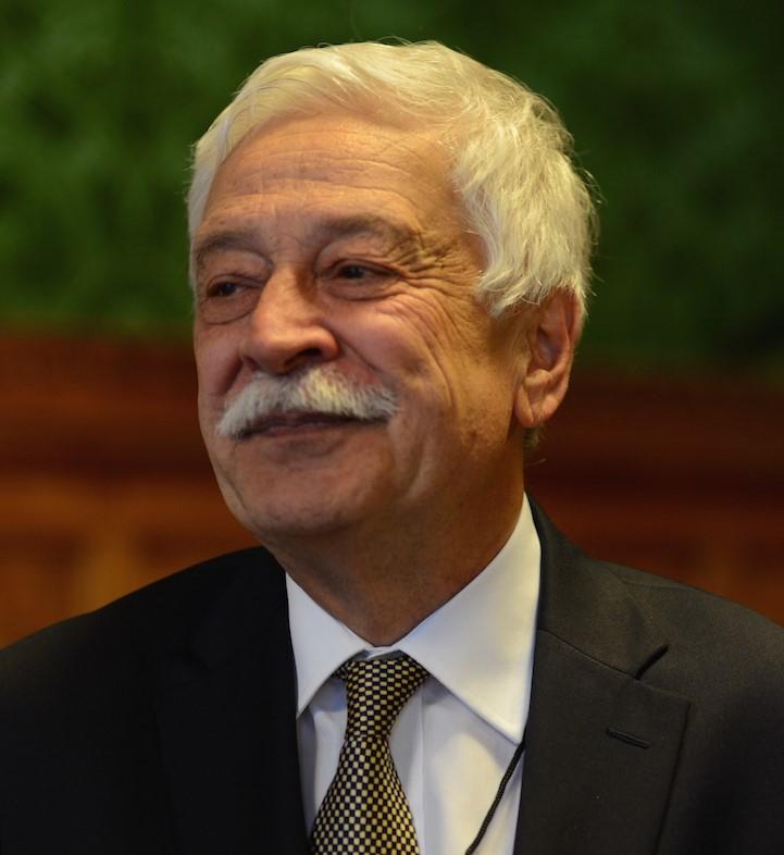 Professor Dr Yilmaz Esmer