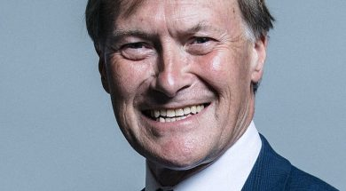 800px-Official_portrait_of_Sir_David_Amess_crop_2